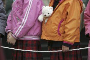 Tyrimas atskleidė, kad seksualinę prievartą patyrė dešimtys tūkstančių vaikų