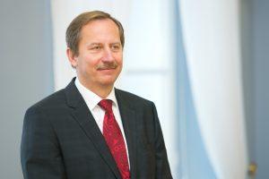 Premjerui užsienio politikos klausimais patarinės D. Matulionis