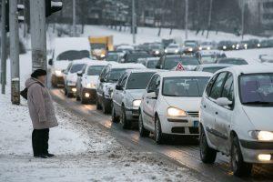 Spūstys formuosis visą dieną: patarimai išvykstantiems iš Vilniaus