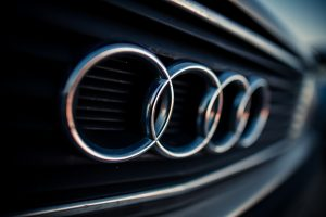 """Audi A6"" pirkti norėjusi mergina prarado pinigus"