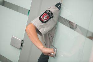 Policija ieško dviejų avarijų Vilniuje liudininkų