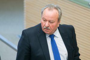 Prekybininkams skrieja grasinimai iš Seimo