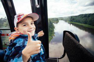 Keliauti po Lietuvą – madinga: 11 įdomių faktų apie vietinį turizmą