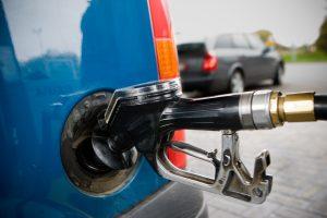 Latvija iš Lietuvos įsiveža beveik du trečdalius importuojamų degalų