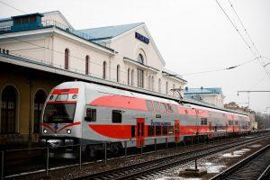 Traukiniai Vilniaus-Kaunas nebeteršia aplinkos