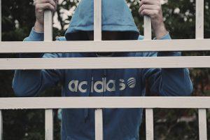 Lietuvos kaliniams – per 100 tūkst. eurų dėl blogų kalinimo sąlygų