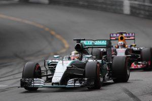 """""""Formulės 1"""" etapą iš pirmosios pozicijos vėl pradės britas"""