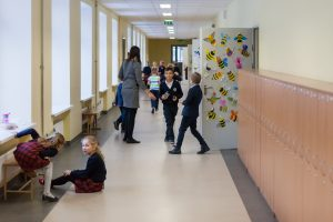 Progimnazijos direktorius: mūsų mokyklos – kaip kareivinės