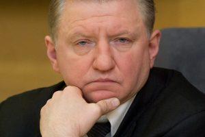 """Ministras už aplaidumą atleido """"Tremtinių namų"""" direktorių D. Bitaitį"""