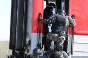 Lietuvos pasieniečiai traukinyje sulaikė Rusijos karinę komandą