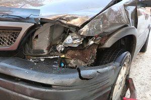 Alytuje apdaužyti keturi automobiliai ir sužaloti du vaikai
