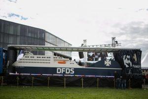 Kauniečius stebina rekordinio dydžio laivas