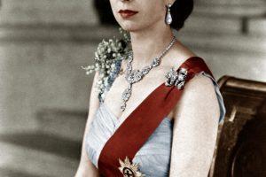 Aukcione parduotas karalienės Elžbietos II meilės laiškas
