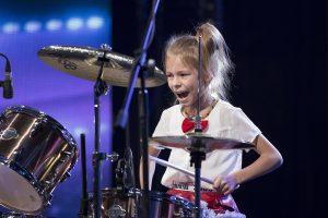 """""""Lietuvos talentus"""" pakerėjusi 9-erių būgnininkė: be juodo darbo nieko nebūtų"""