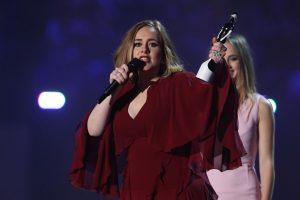 Adele nekilnojamojo turto kolekciją papildė namu už 9,5 mln. dolerių