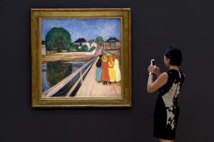 """E. Muncho """"Merginos ant tilto"""" nupirktos už 54,5 mln. dolerių"""