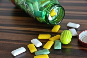 Kas nutinka, jei praryjate kramtomąją gumą?