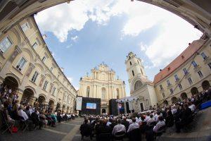 Vilniaus universiteto fondą globos žymūs visuomenės veikėjai