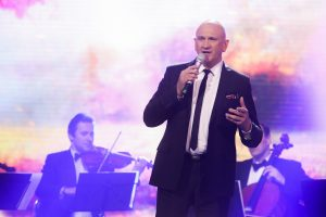 Po 42-ejų santuokos metų išsiskyrė dainininkas E. Kučinskas