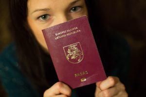 Nelietuviškų pavardžių dokumentuose siekia ne tautinės mažumos, o lietuviai