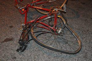 Kauno rajone žuvo dviračiu važiavęs senolis