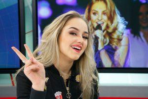 """""""X Faktoriaus"""" nugalėtoja Iglė sudainavo Tarptautinių vaikų žaidynių himną"""