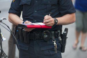 Norvegų policininkas nubaudė pats save, nes patruliavo be liemenės