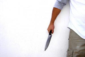 Telšiuose neblaivus kariškis grasino nužudyti tėvą