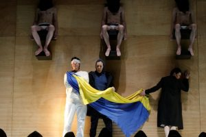"Opera ""Don Karlas"" – legendinio scenografo L. Truikio kostiumų apsupty"