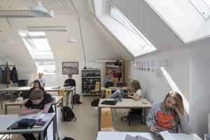 Natūrali dienos šviesa lemia mokinių produktyvumą