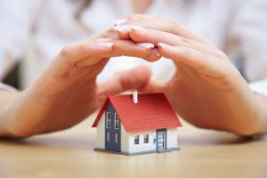 10 patarimų, kaip saugiai palikti namus išvykstant poilsiauti