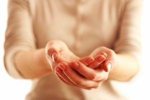 Rankos dreba ne tik senatvėje: esencialinis tremoras