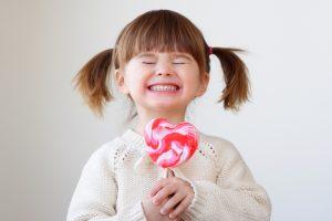 Apskaičiuotas nepavojingas cukraus kiekis vaikams