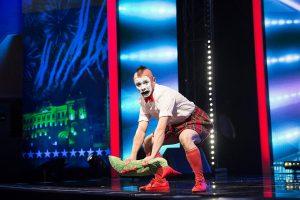 """Klounas iš Baltarusijos """"Lietuvos talentuose"""" parodė pasaulinio lygio šou"""