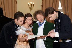 Susitiks C. Schumann salone