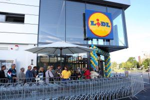 """""""Lidl"""" – vieneri: 15 miestų, 30 parduotuvių, 1500 karjeros galimybių"""