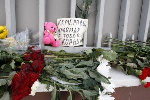 Klaipėdiečiai gedi Kemerovo aukų