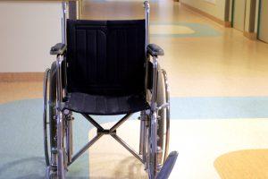 Valdžia žada asmeninius asistentus neįgaliesiems