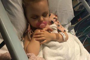 Tragiškos lietuvių šeimos šventės: sužinojo, kad dvimetei – ketvirtos stadijos vėžys
