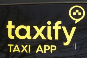 Rygoje protestavo dešimtys taksistų