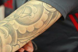 Londono policininkams – mažiau draudimų,  galės puoštis ir tatuiruočių rankovėmis