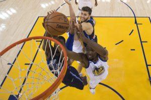 """NBA: """"Cavaliers"""" ir """"Warriors"""" pergalės"""