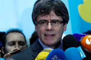 Katalonijos parlamente atidėtas balsavimas dėl C. Puigdemont'o perrinkimo