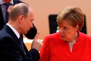 V Putinas ir A. Merkel nori ir toliau spręsti Ukrainos krizę diskusijomis