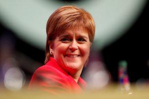 """Škotijos lyderė remia naujo """"Brexit"""" referendumo idėją"""
