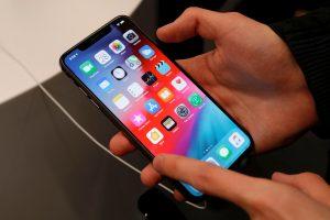 """""""Apple"""" gamins mažiau naujų """"iPhone"""" modelių"""
