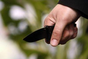 Per konfliktą girtas vyras peiliu sužalojo du žmones