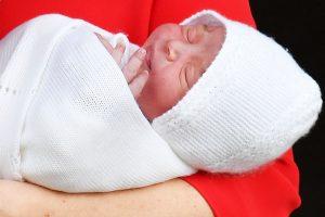 Princas Charlesas pasveikino naują savo vaikaitį