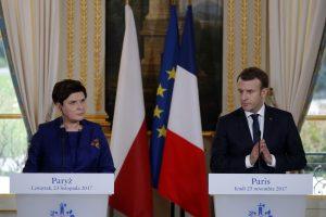 E. Macronas apie Lenkiją: Prancūzija neturi teisės smerkti kitos šalies reformų