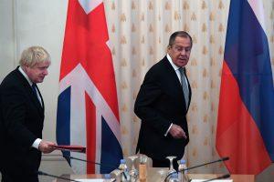 Maskvoje viešintis Britanijos ministras siekia atitirpdyti santykius